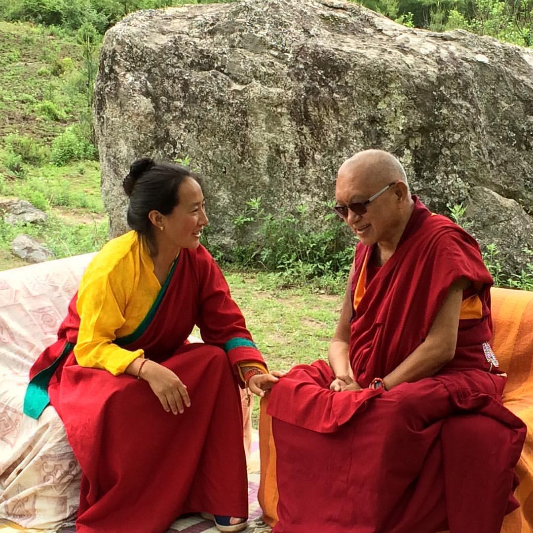 LZR y Jadrolá en Bután